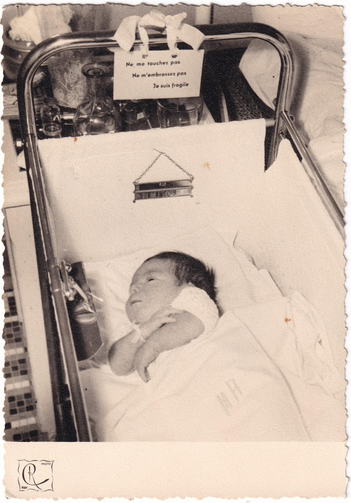 Maternité nouveau né français  R