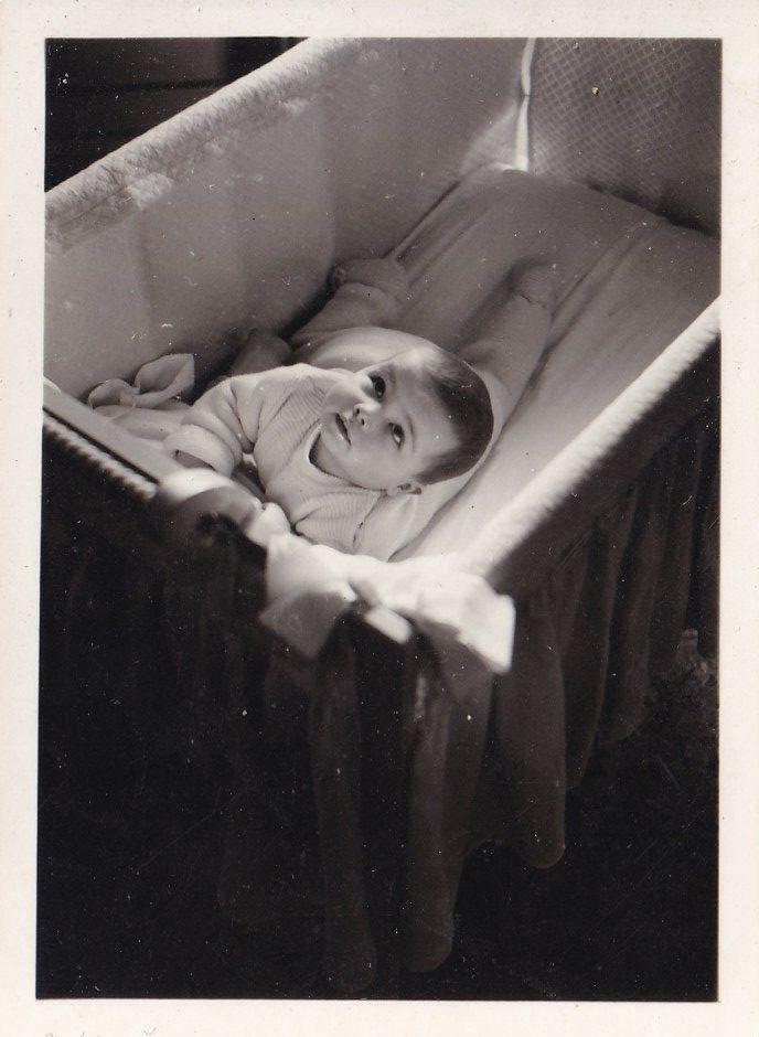 Pochette  Bébé dans son lit Format   rotated